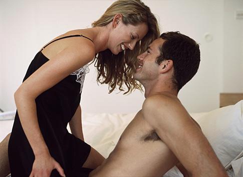 Já třeba při sexu a hlavně orálním jsem mokrá hodně, podemnou mokrý flek.