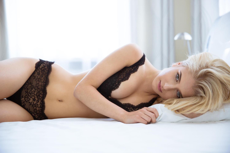 Nahé hot sexy dievčatá obrázky