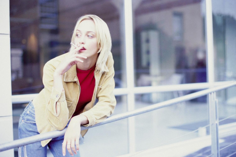 dívky kouřily