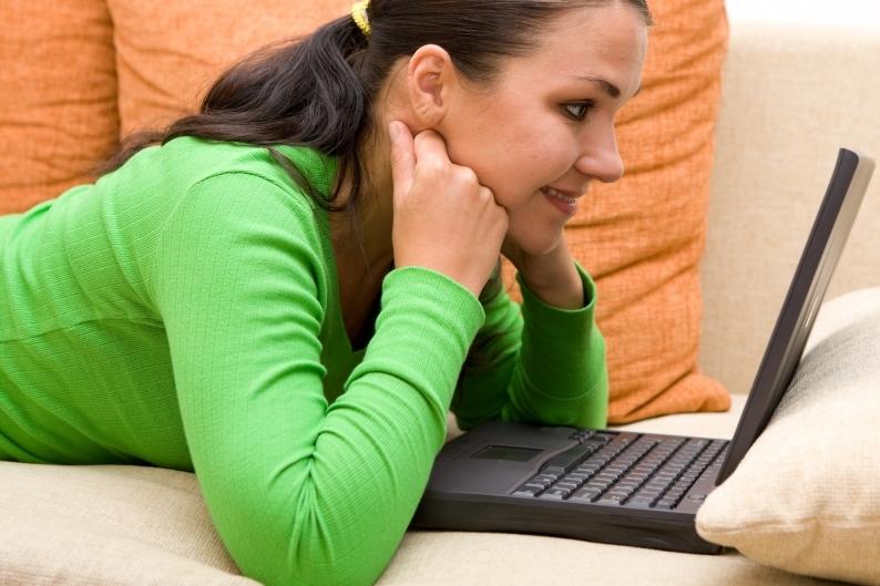 rande s připojením k internetu randění s červeným blafem