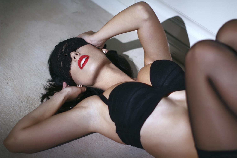 Sexy holky ve v. Admirál black cock krag.