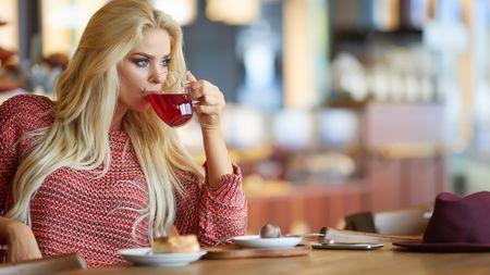 Hubněte s hrnkem čaje! Jaký spálí nejvíc tuků a který přibrzdíchutě?