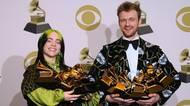 Zelené peklo, výstřih až k rozkroku a závan devadesátek. Podívejte se na nejzajímavější šaty z předávání cen Grammy2020