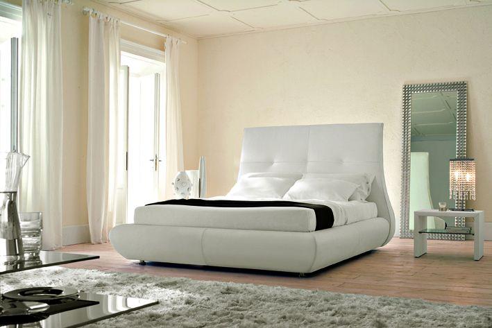 b l barva v byt slu mu sta dodr et pravidla pro eny. Black Bedroom Furniture Sets. Home Design Ideas