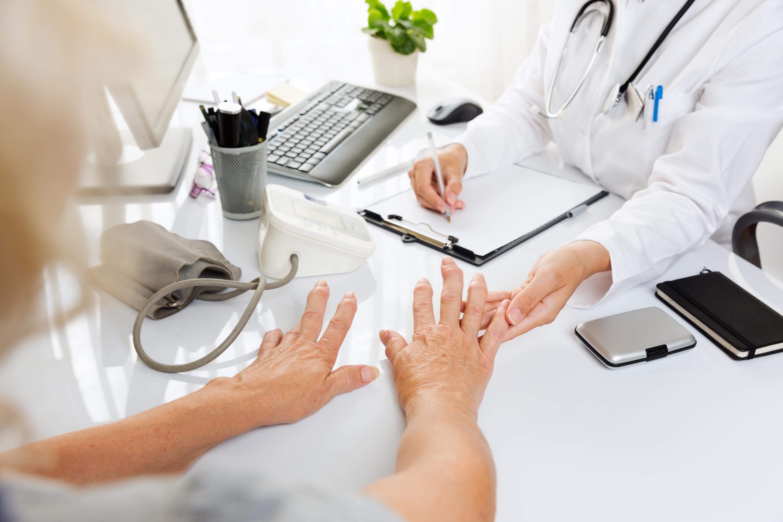 ce este artroza articulației fațetei acumularea de lichide în articulația genunchiului