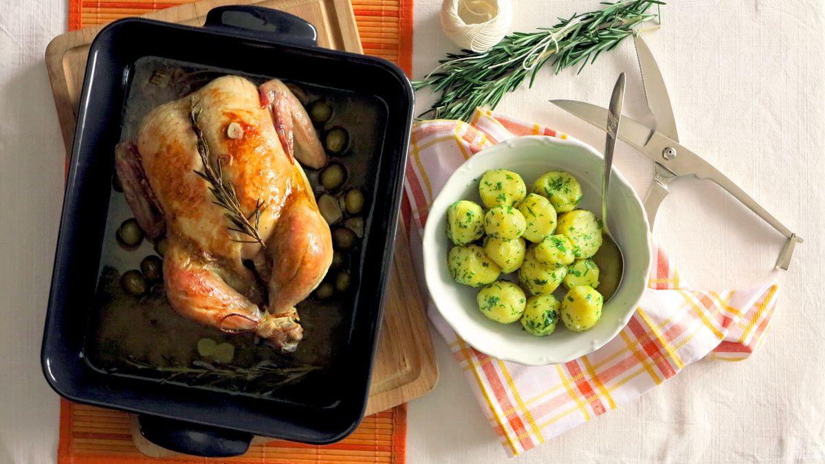 Výsledek obrázku pro kuře s olivami pečené na rozmarýnu česnek bílé víno