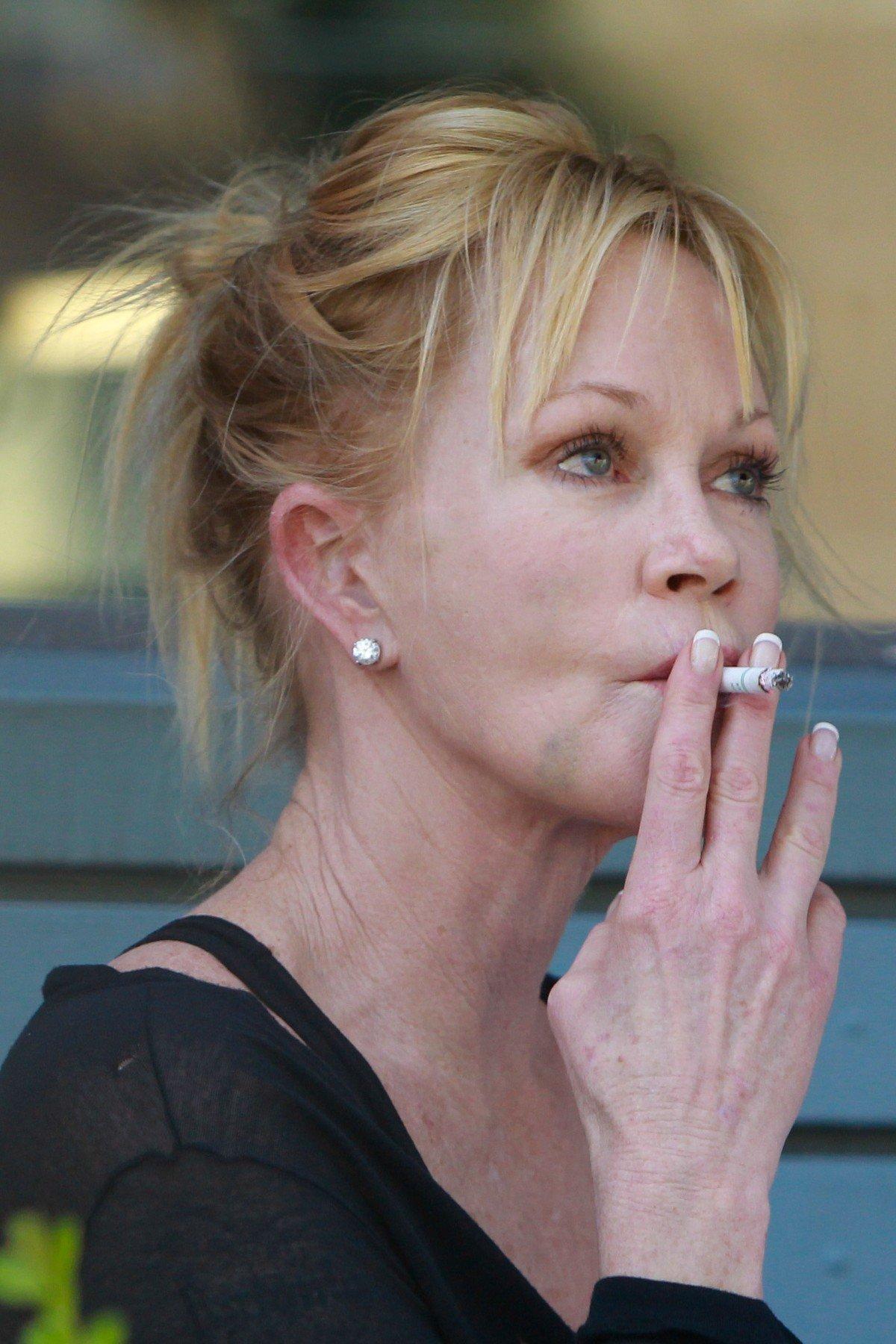 fotografie kouření celebritanální korálky sex