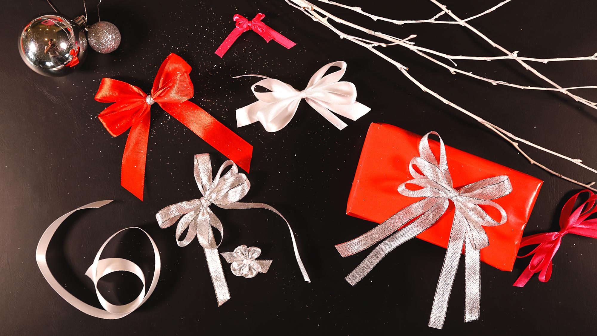 Luxusní mašle na dárek  Vychytávky pro její uvázání najdete v kuchyni -  Proženy a3f31f9e85
