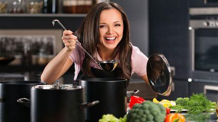 Teplý zázrak v jednom talíři: Tohle jídlo zahřeje, posílí imunitu i pomůže zhubnout! Zkusíteho?
