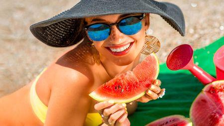 Obyčejný meloun? Ne! Proč je to zázrak pro ženy nad 40 a proč ho nejíst po jídle jakodezert?