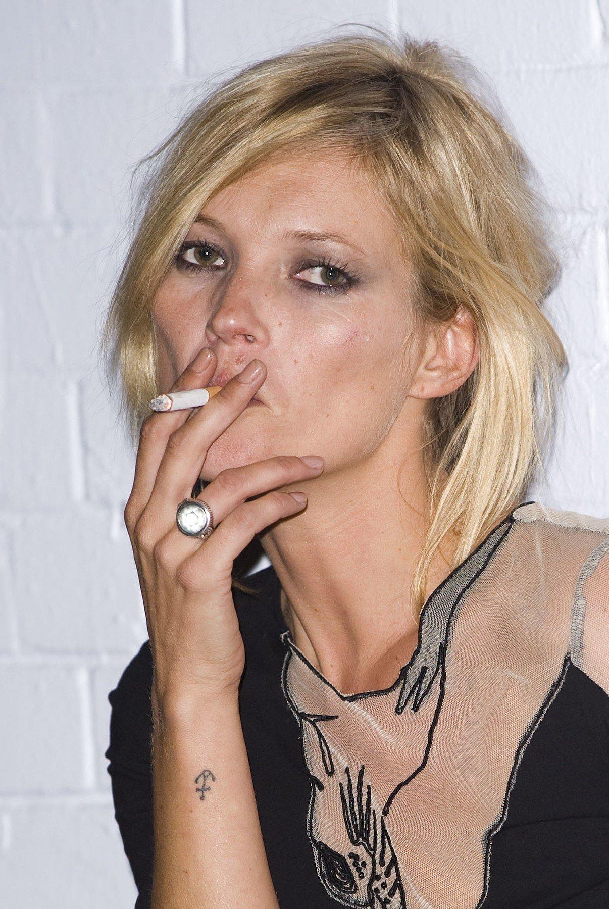 Obrázky kouření celebrit