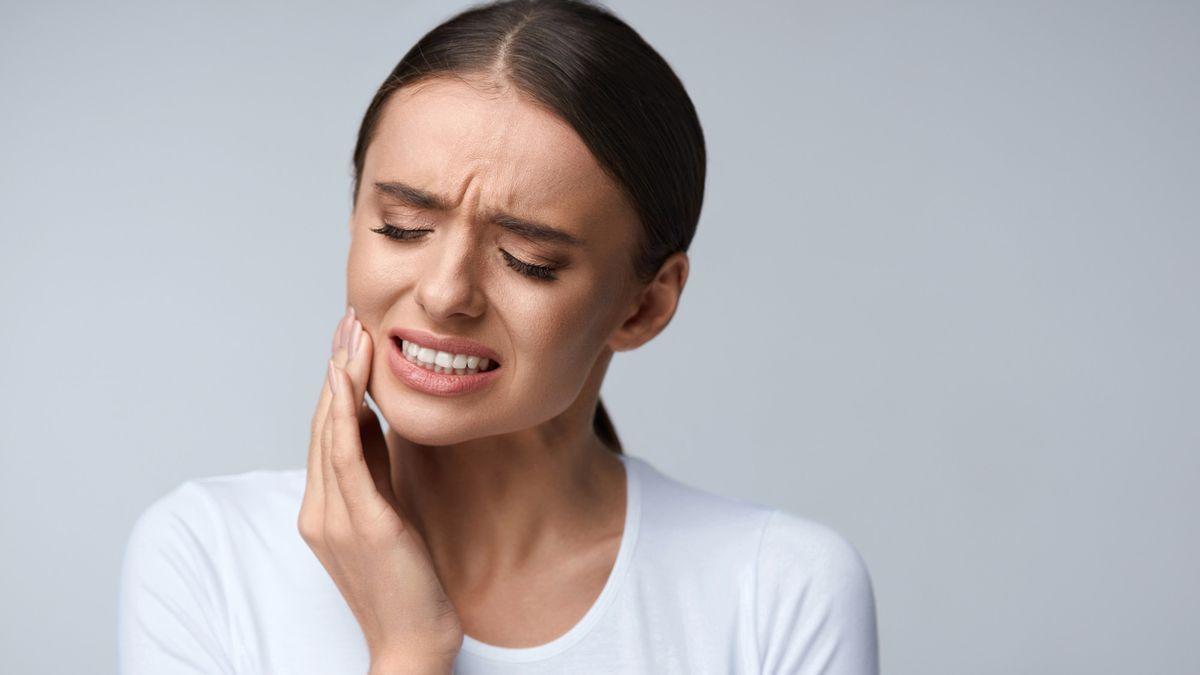 Zubní kaz může poškodit kosti i srdce. Jak poznáte zánět? - ProŽeny.cz